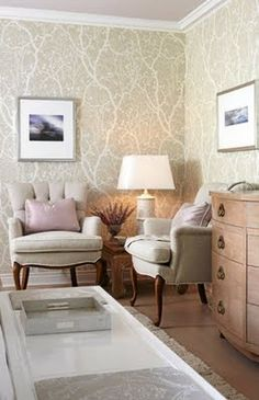 Episode 10: Neutral Master. Nature inspired wallpaper in cream for an accent wall in the dining room.