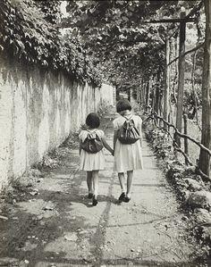 kvetchlandia:  Ilse Bing  Renata and Her Sister   1934