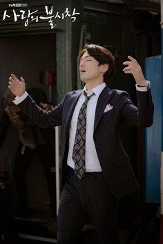 Crash Landing on You (사랑의 불시착) - Drama - Picture Gallery Kim Joong Hyun, Jung Hyun, Kim Jung, Asian Actors, Korean Actors, Korean Drama List, My Sassy Girl, Descendents Of The Sun, Bae