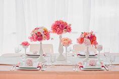 #floral #arrangement #pink #peach #coral #gardenrose #centerpiece #modern #party #reception #creativeidea #wedding #weddingidea #ranunculus #pretty #allprettyweddings