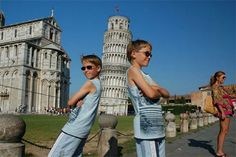 14 Fun Vacation Poses to Try With Your Family