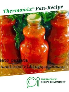 Recipe Tomato Passata by Elisha-Vi, learn to make this recipe easily in your kitchen machine and discover other Thermomix recipes in Sauces, dips & spreads. Tomato Pasta Sauce, Tomato Paste, Vegan Gluten Free, Vegan Vegetarian, Greek Meatballs, Recipe Community, Canning Recipes, Hot Sauce Bottles, Thermomix