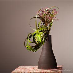 Learn how to make this ikebana arrangement.