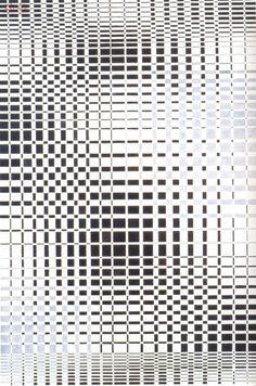 Antônio Maluf - Progressões Crescentes e Decrescentes (1973); Acrílica sobre madeira, 120x80cm
