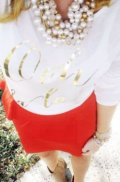 Ooh la la Love every part of this outfit. Especially since I have this shirt, and skirt, and necklace!