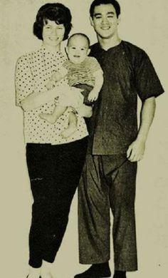 A rare photo of Linda, Brandon & Bruce Lee.