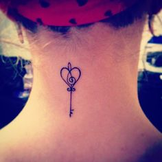 Cute Small Feminine Tattoos for Women 2020 – Tiny Meaningful Tattoos. Tattoos are being really popular among women. Small Feminine Tattoos, Subtle Tattoos, Pretty Tattoos, Beautiful Tattoos, Small Tattoos, Girly Tattoos, Tattoo Mama, Get A Tattoo, Back Tattoo