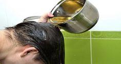 Sicuramente avrai sentito parlare degli innumerevoli benefici dell'olio di ricino, uno dei trattamenti più efficaci soprattutto in caso di problemi relativi ai capelli e alla pelle. Quest'olio è una risorsa ricca di proteine, minerali e vitamina E ed ha delle potenti proprietà antifungine e antibatteriche. Grazie agli alti livelli di acidi grassi omega-9, nutre i follicoli e i capelli e stimola la crescita delle ciglia, dei capelli e delle sopracciglia. Inoltre, questo elisir naturale…