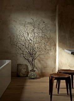 from desiretoinspire.net - Tree / wooden stools