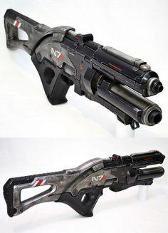 'Mass Effect 3' Assault Rifle Replica