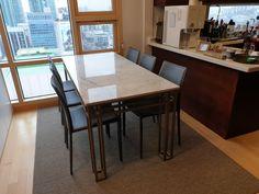 주문제작 대형 테이블 대리석 : 비앙코까라라 프레임 : 골드색상 사이즈 : 주문제작 Custom Made, Dining Table, Furniture, Home Decor, Decoration Home, Room Decor, Dinner Table, Home Furnishings, Dining Room Table