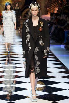 ОСЕНЬ-ЗИМА 2016/2017 / READY-TO-WEAR / НЕДЕЛЯ МОДЫ: МИЛАН Dolce & Gabbana