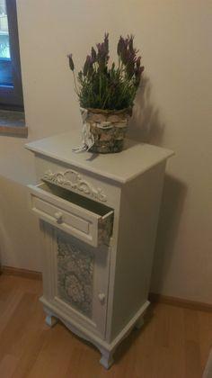 Nightstand, Vase, Furniture, Home Decor, Homemade Home Decor, Bedside Desk, Flower Vases, Home Furnishings, Jars