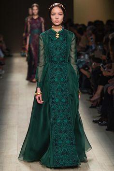 Roman influence, sophisticated elegance, opulence, Valentino SS 2014