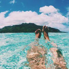 Tahiti water never gets old!!! #tahiti #tahitilife #disfunkshiontakestahiti @tahititourisme #disfunkshionmag