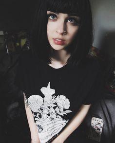 Amanda Alice (@ foxfell)
