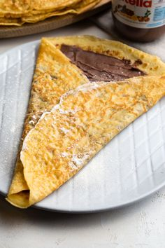 This is the best Nutella crêpes recipe, and it's easy to make. Nutella crêpes makes a very special treat topped with strawberries or bananas! Easy Crepe Recipe, Crepe Recipes, Brunch Recipes, Breakfast Recipes, Brunch Ideas, Breakfast Ideas, Quick And Easy Breakfast, Sweet Breakfast, Best Pancake Recipe
