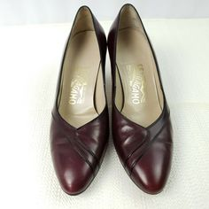 e3d1ad61672 Salvatore Ferragamo Womens Classic Pump Heels Shoes 7 AA Burgundy Made in  Italy