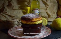 Soufflé au limoncello Hamburger, Lemon, Breakfast, Ethnic Recipes, Desserts, Prince, Food, Chocolate Souffle, Morning Coffee