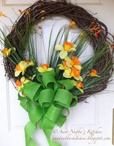 Aunt Nubby's Kitchen: A Daffodil Wreath