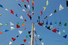 kleurrijke vlaggetjes