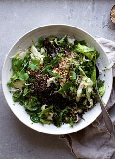 Shawarma Spice & Herb Salad w Tangy Fennel Kicks + Black Quinoa! Vegan and SO tasty! @ www.Earthsprout.com