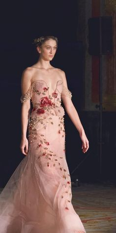 Bridal Couture Wedding dress Silk dress image 4 Source by melizasaadi Look dress Style Couture, Couture Fashion, Bridal Fashion, Paris Fashion, Dress Images, Beautiful Gowns, Dream Dress, Bridal Style, Silk Dress