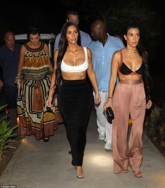 On Friday evening the Keeping Up With The Kardashians star wore very little as she headed to dinner at Ostra with her sisters Khloe and Kourtney as well as mother Kris Jenner. Kim Kardashian Bikini, Kourtney Kardashian, Kim And Kourtney, Kardashian Style, Kardashian Jenner, Kris Jenner, Dope Fashion, Fashion Outfits, Reality Shows