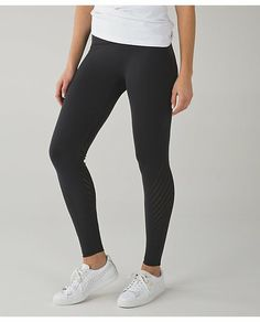 Enlighten tight. Size small. I am a 4 and they fit me perfect. High rise. Seamless. Color is black. Great condition. Only worn once.