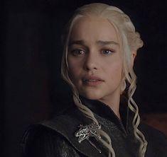 Deanerys Targaryen, Emilia Clarke Daenerys Targaryen, Game Of Thrones Houses, Fantasy Art Women, Viking Warrior, Queen Mother, Face Expressions, Mother Of Dragons, Khaleesi