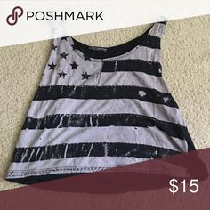 brandy melville tank cropped & in awesome condition Brandy Melville Tops Crop Tops
