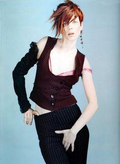 Shirley Manson by Kayt Jones, 2001 Shirley Manson, Legend Music, Stupid Girl, Alternative Rock Bands, Into The Fire, Tough Girl, Movie Photo, Female Singers, Latest Music
