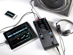 Native Instruments Traktor Kontrol Z1 DJ controller iOS iPad iPhone (3)