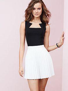 Pleated Mini Skirt #vs