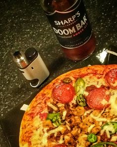 Food time, Pizza with A Doom Bar and my Pico Squeeze with a Drifter on top filled with Apple Strudel from the Goodies range from Vapetasia.