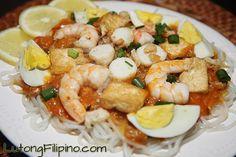Pancit Palabok Recipe - Filipino Recipes from Lutong Filipino Pancit Palabok Recipe, Filipino Recipes, Filipino Food, Pasta Recipes, Cooking Recipes, Pinoy Food, Pasta Noodles, Test Kitchen, Entrees