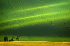 10.-The-Rolling-Hills-South-Moravia-Czech-Republic.-720x480