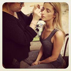 Octobre 2012 : Quelques jours seulement avant le départ pour Miami, Manon se faisait maquiller par Anne pour le shoot de la collection Brocéliande #etiennejeanson #broceliande #couture #paris #instantanesdecollection #miami #francoisberrhier #manonlemaure #annesissokho #shooting @manonlemaure