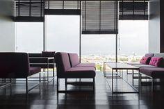russia 2014 - azimut st. petersburg - 18th. floor - bar - sky bar - panorama - carrara marble - wood panel - lounge - sofa - armchair - floorboard - dark - sessel - schwarz - aussicht