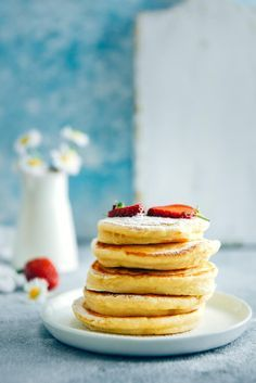 Fluffy Almond Milk Pancakes are perfect dairy free pancakes. Make these when everyone is sleeping in 15 minutes. Serve with fresh berries and make a wonderful start to your day. These are wonderfully fluffy and as tasty as regular milk pancakes. #giverecipe #dairyfree #breakfast #easymeal Vegan Recipes Videos, Healthy Foods To Eat, Healthy Desserts, Healthy Dinner Recipes, Free Recipes, Muesli, Granola, Almond Milk Pancakes, Dairy Free Pancakes