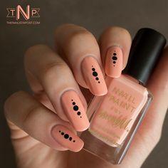 Peach & dots #thenaiistapost #FallMani #nailart - bellashoot.com
