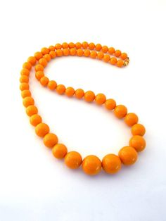 Hey, I found this really awesome Etsy listing at https://www.etsy.com/listing/548475292/vintage-butterscotch-yellow-necklace