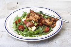 Μαριναρισμένη γλυκόξινη γαλοπούλα και σαλάτα caprese-featured_image