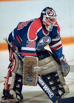 Hockey Goalie, Hockey Games, Ice Hockey, Goalie Mask, Elle Kennedy, Nhl Players, Edmonton Oilers, Nfl Fans, Sports Figures