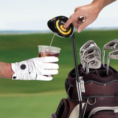The Drink Dispensing Driver - Hammacher Schlemmer Gag Gifts For Men, Unique Gifts For Dad, Gifts For Golfers, Golf Gifts, Fathers Day Gifts, Dad Gifts, Birthday Present For Boyfriend, Presents For Boyfriend, Boyfriend Gifts