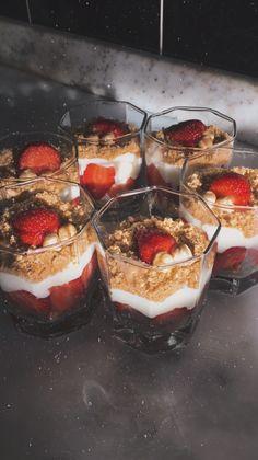 Snap Food, Snack Recipes, Snacks, Fake Food, Aesthetic Food, Junk Food, Chocolate, Food Photo, Cravings