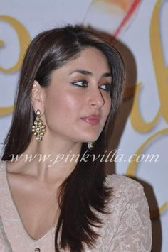 Kareena Kapoor Khan at the Richa Lekhera book launch, titled 'Garbage Beat', at Titles Wave. She looks gorgeous in a beige pink anarkali. Bollywood Saree, Indian Bollywood, Bollywood Fashion, Pakistani, Bollywood Actress Hot Photos, Bollywood Actors, Bollywood Celebrities, Genelia D'souza, Kareena Kapoor Khan
