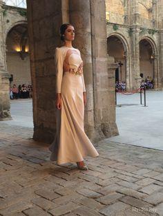 #desfile #monasteriosanjeronimo #sevilla #SIQHandcraft&Fashion #AlejandroPostigo #novia #moda  #AgenciaDobleErre #flores #RaquelRevuelta