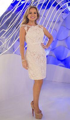 Roupas HairStyles hairstyles when growing out a bob Dress Skirt, Peplum Dress, Dress Up, Bodycon Dress, Fashion Vestidos, Fashion Dresses, Semi Formal Dresses, Short Dresses, Civil Wedding Dresses