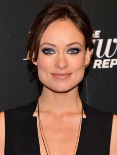 For a fresh and seductive look, try Olivia Wilde's purple eyes.